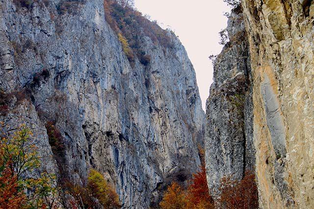 trasee_montane_castania_polovragi-e1558514429148.jpg